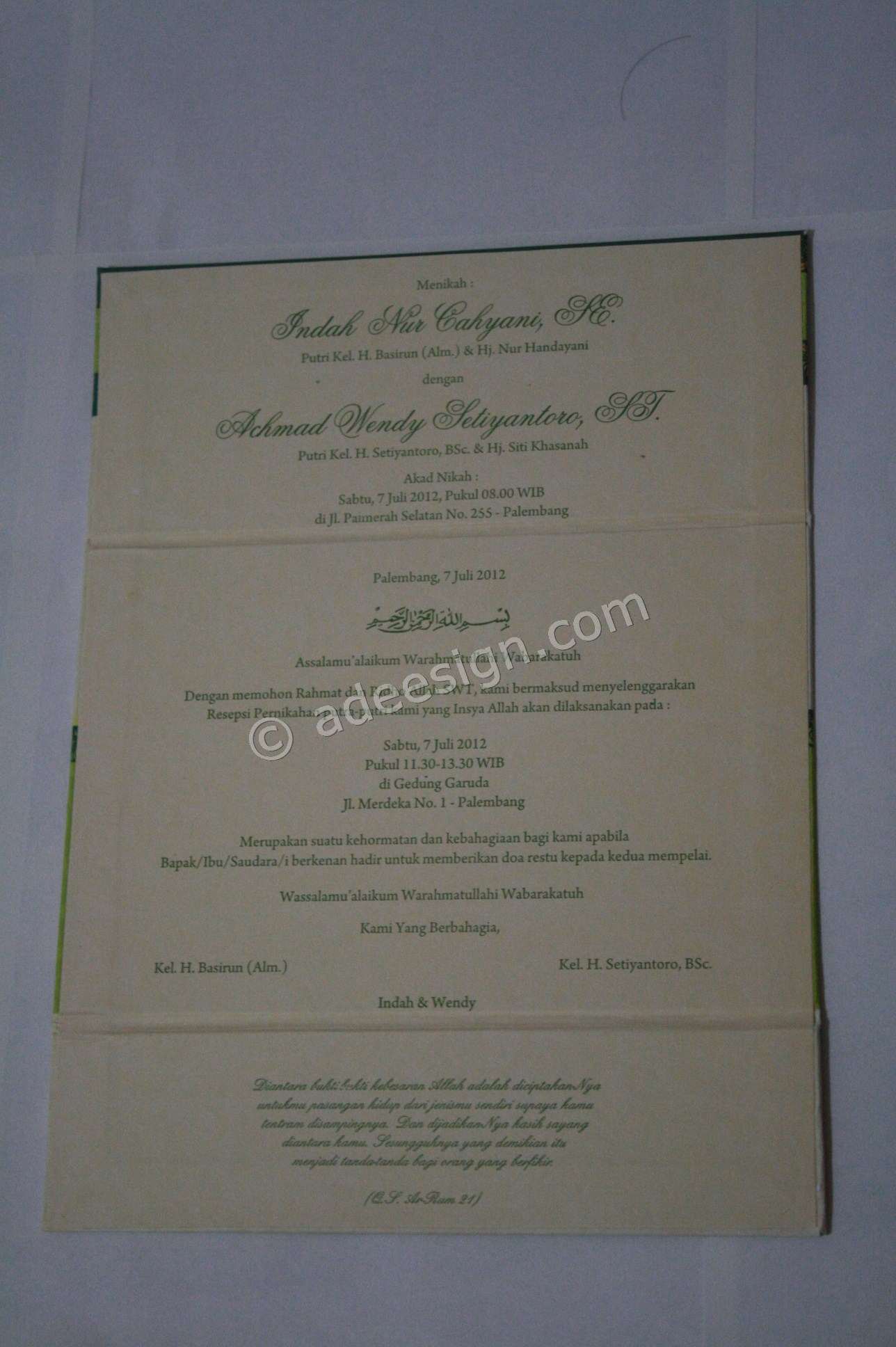 Kartu Undangan Pernikahan Hard Cover Indah dan Wendy 3 - Pesan Wedding Invitations Simple di Jambangan Karah