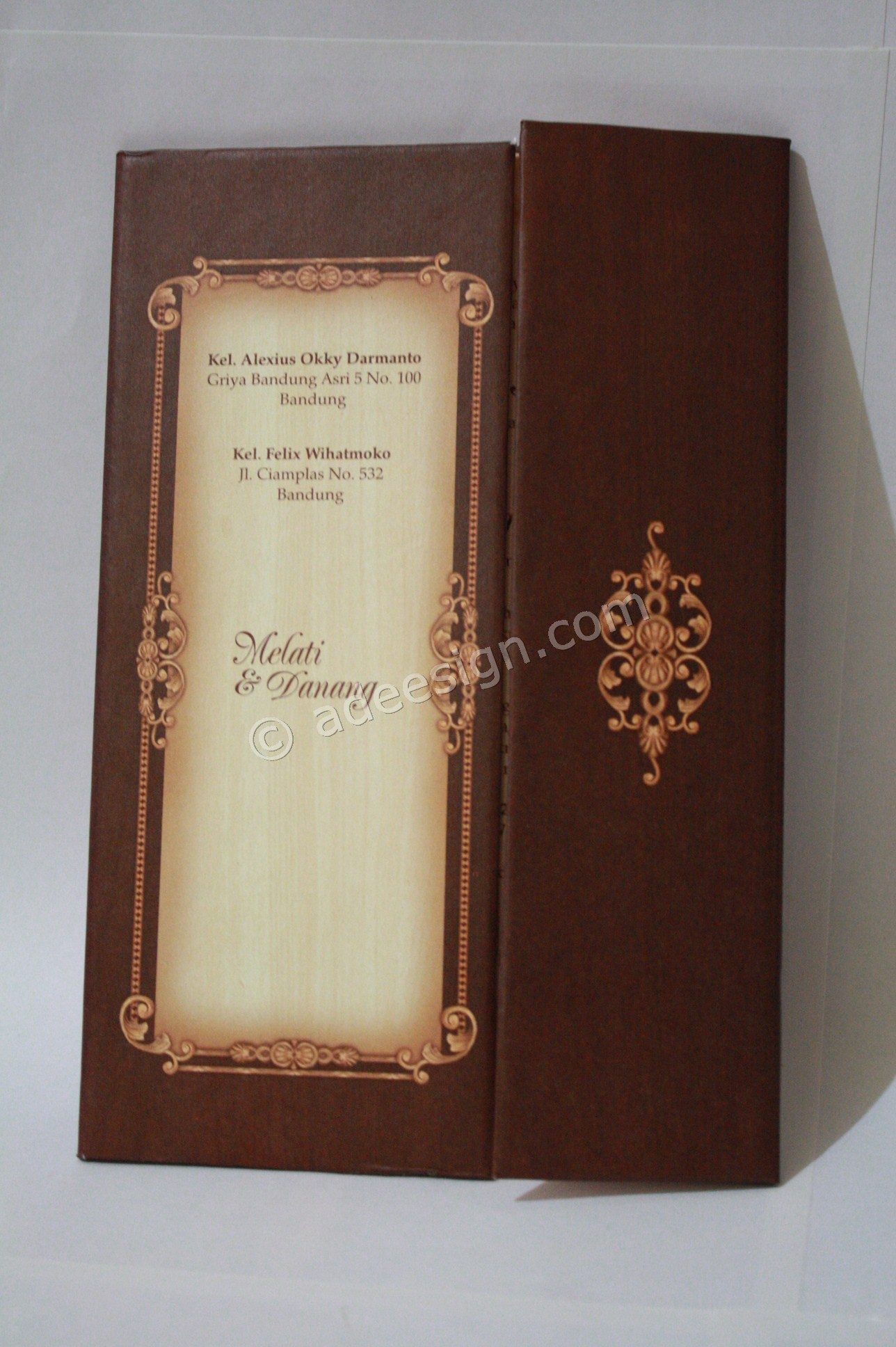Kartu Undangan Pernikahan Hard Cover Melati dan Danang 2 - Percetakan Wedding Invitations Unik dan Simple di Simomulyo