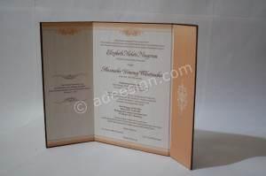 Kartu Undangan Pernikahan Hard Cover Melati dan Danang 3 300x199 - Kartu Undangan Pernikahan Hardcover Melati dan Danang
