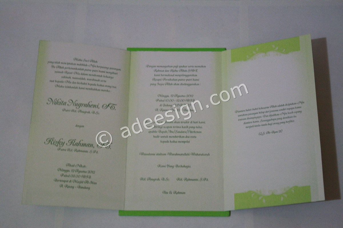 Kartu Undangan Pernikahan Semi Hard Cover Tita dan Rahman 2 - Membuat Wedding Invitations Simple dan Elegan di Tambak Sarioso