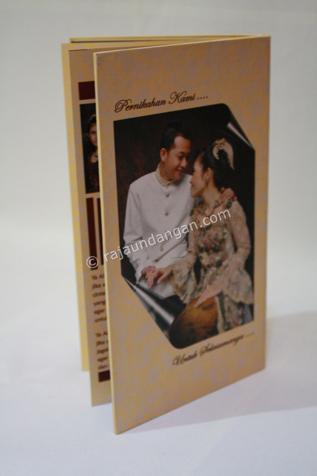 Contoh Kartu Undangan Pernikahan Hardcover Prinsisca dan Agus 7 - Tips Mencetak Wedding Invitations Simple