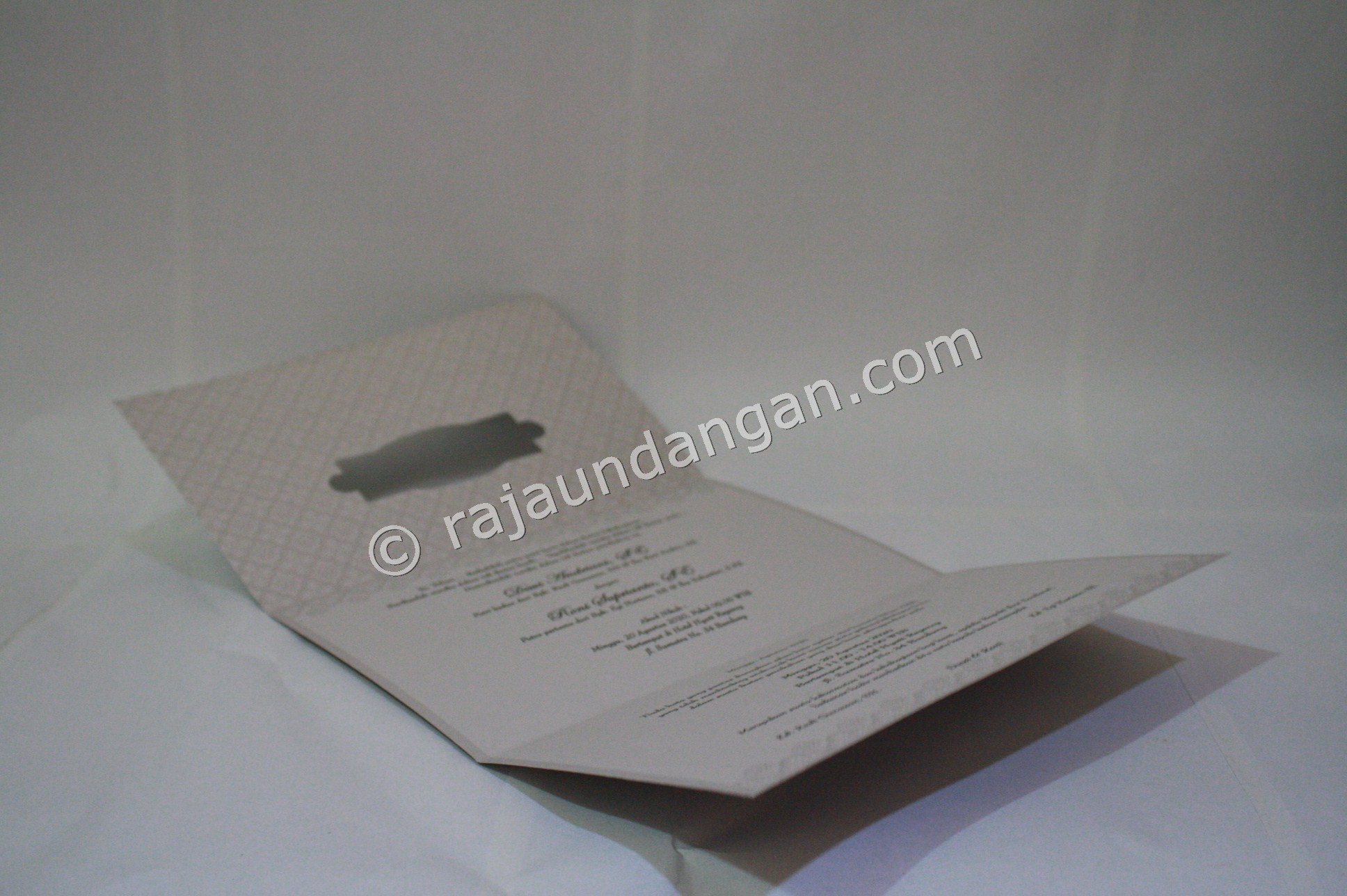 Undangan Pernikahan Softcover Lia dan Doni 3 - Tutorial Mengerjakan Wedding Invitations Simple dan Elegan