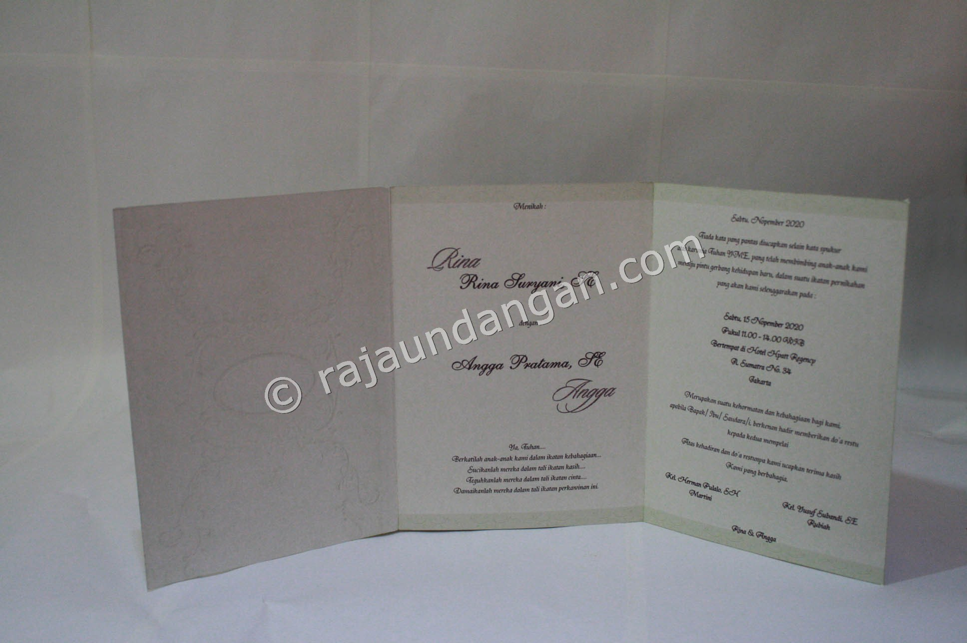 Undangan Pernikahan Softcover Rina dan Angga 2 - Membuat Wedding Invitations Eksklusif di Jeruk