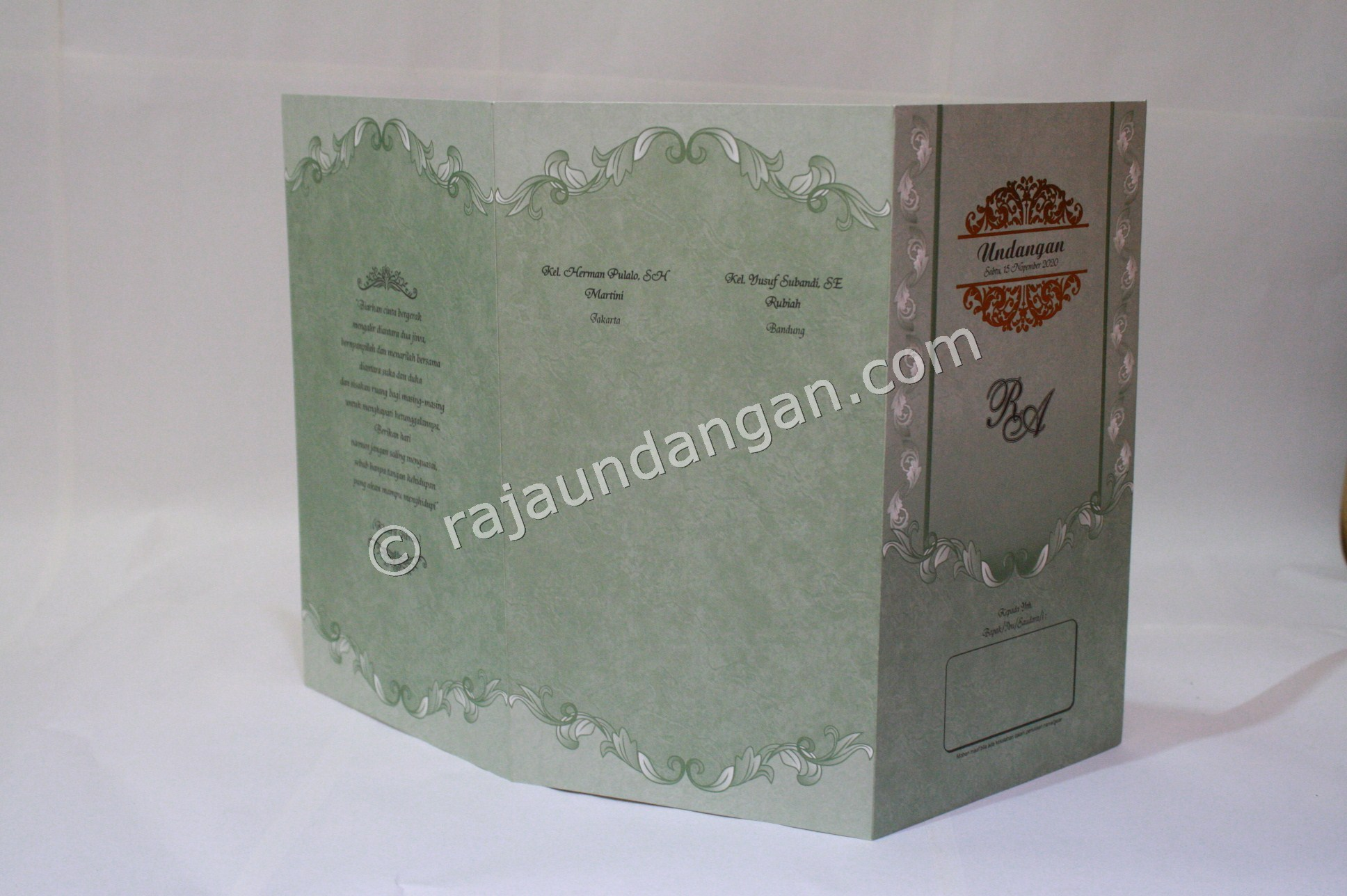 Undangan Pernikahan Softcover Tama dan Yani 3 - Membuat Wedding Invitations Simple di Dr. Sutomo