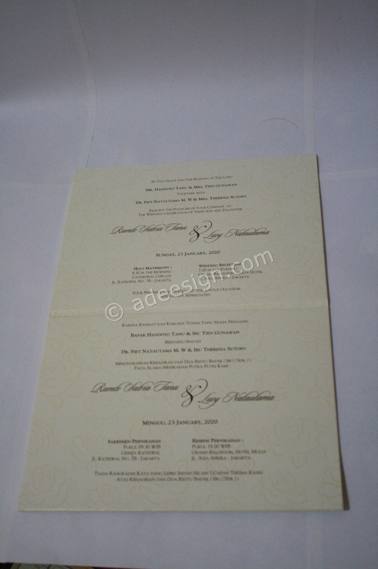 Undangan Pernikahan Hardcover Lilo dan Stich 5 - Percetakan Wedding Invitations Simple dan Elegan di Putat Jaya