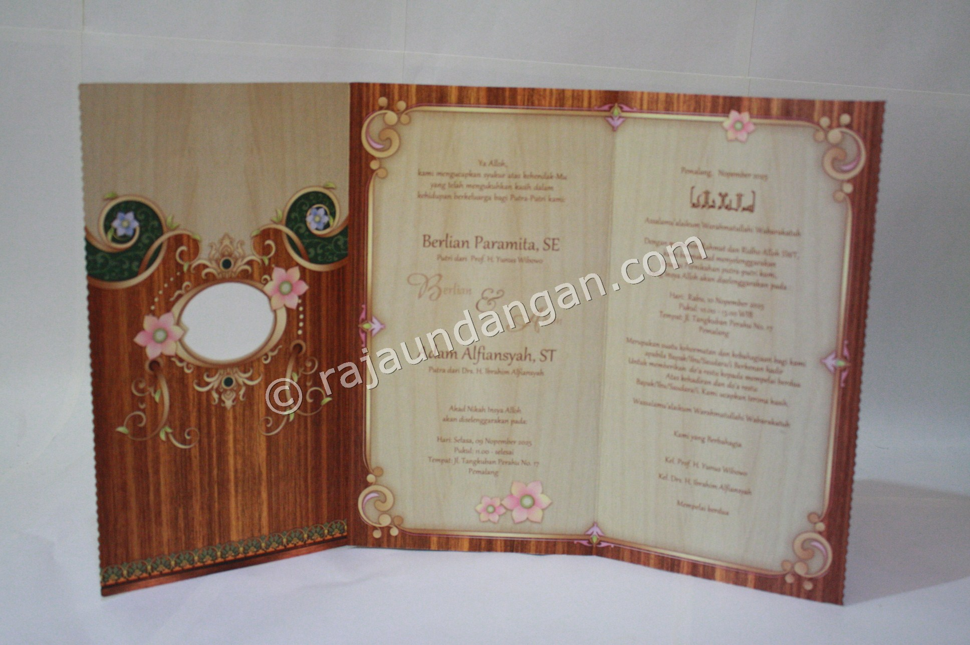 Undangan Pernikahan Softcover Berlian dan Adam 3 - Percetakan Wedding Invitations Unik dan Eksklusif di Tandes
