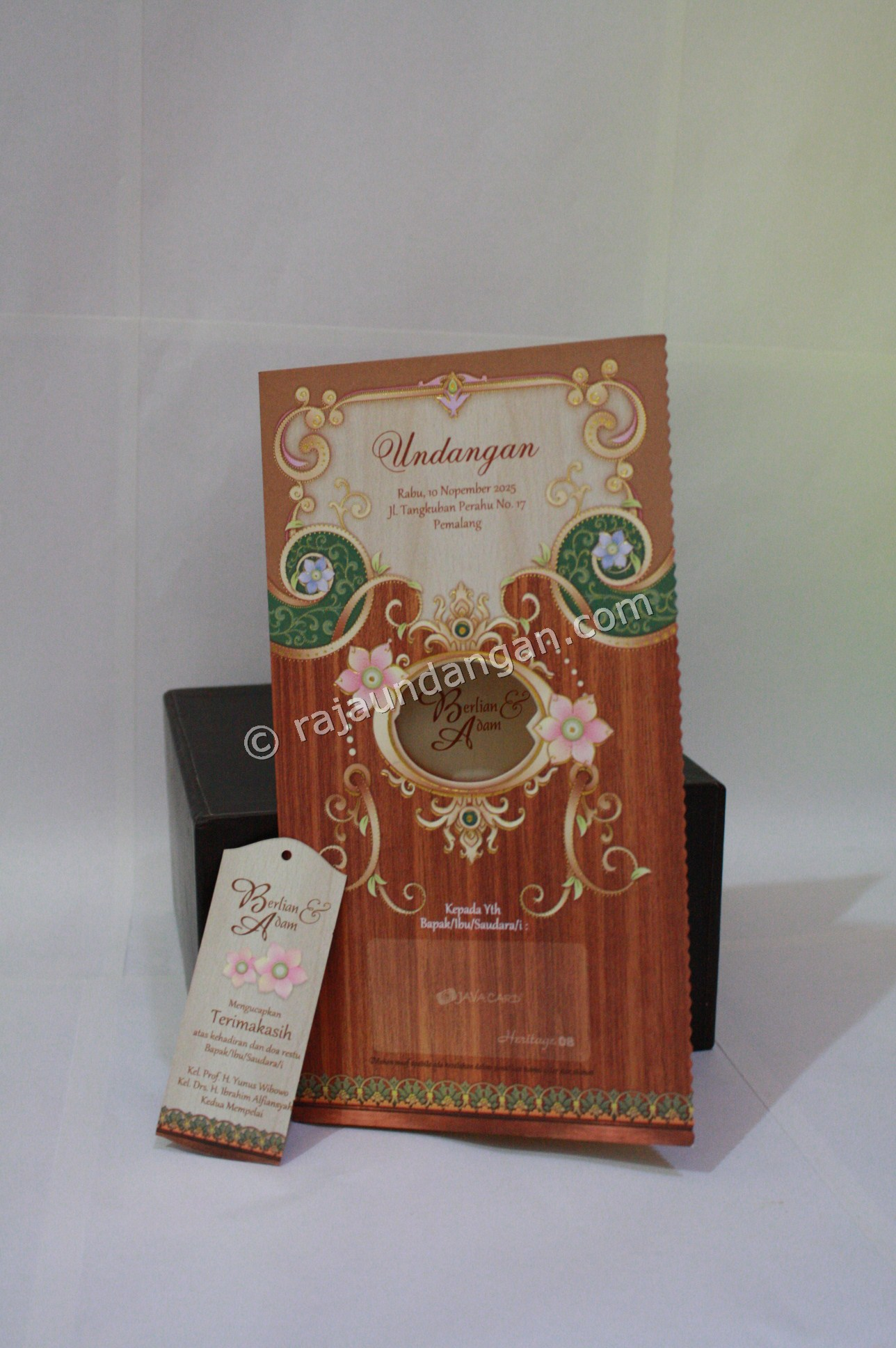 Undangan Pernikahan Softcover Berlian dan Adam 4 - Percetakan Wedding Invitations Eksklusif di Dukuh Setro
