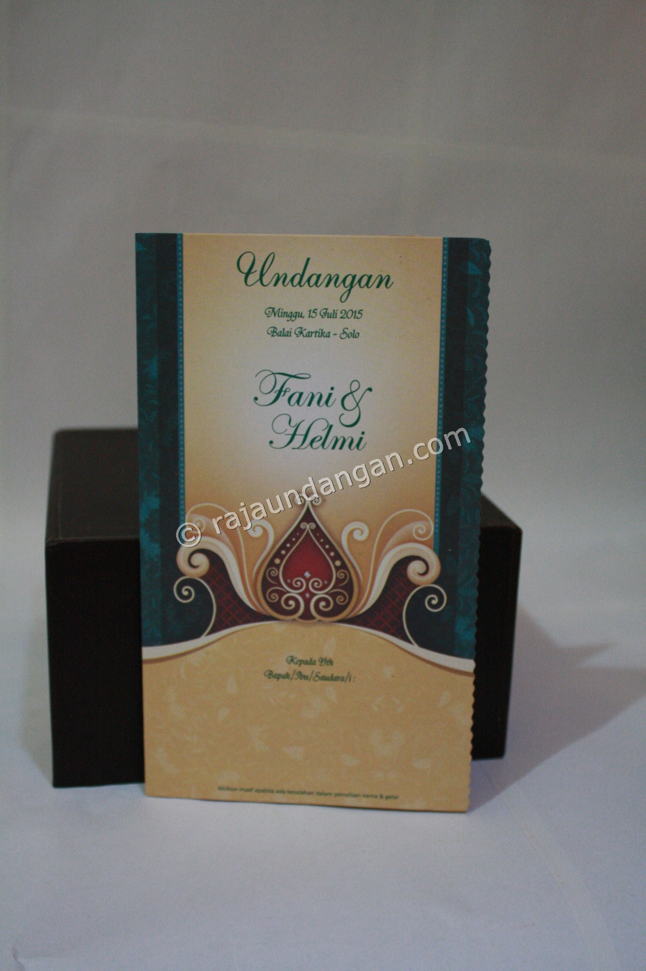 Undangan Pernikahan Softcover Fani dan Helmi - Desain Wedding Invitations Unik dan Simple