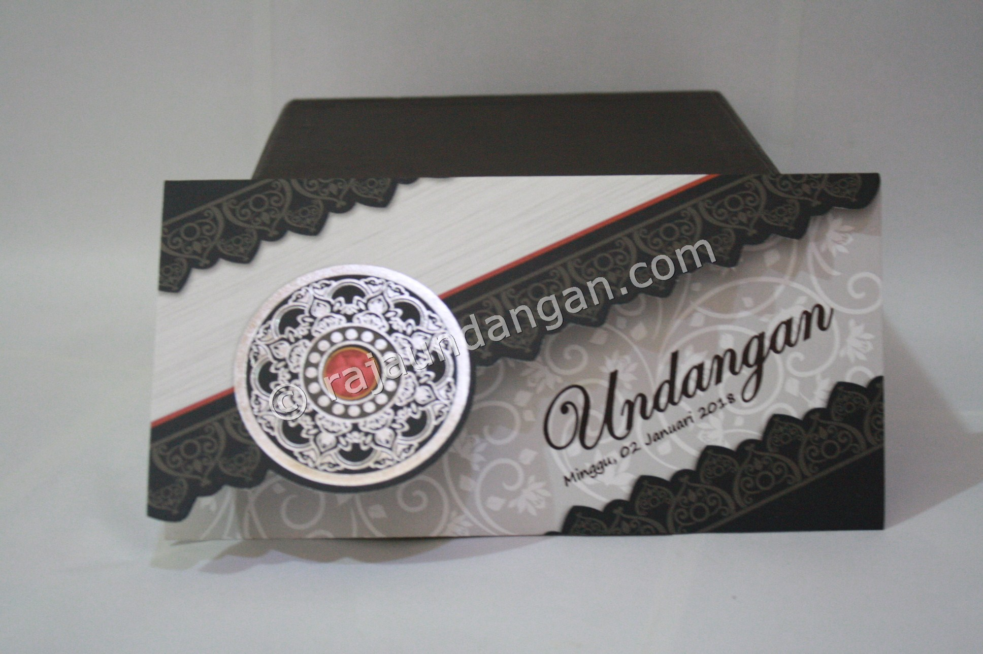 Undangan Pernikahan Softcover Gina dan Rio - Percetakan Wedding Invitations Unik dan Simple di Dukuh Sutorejo