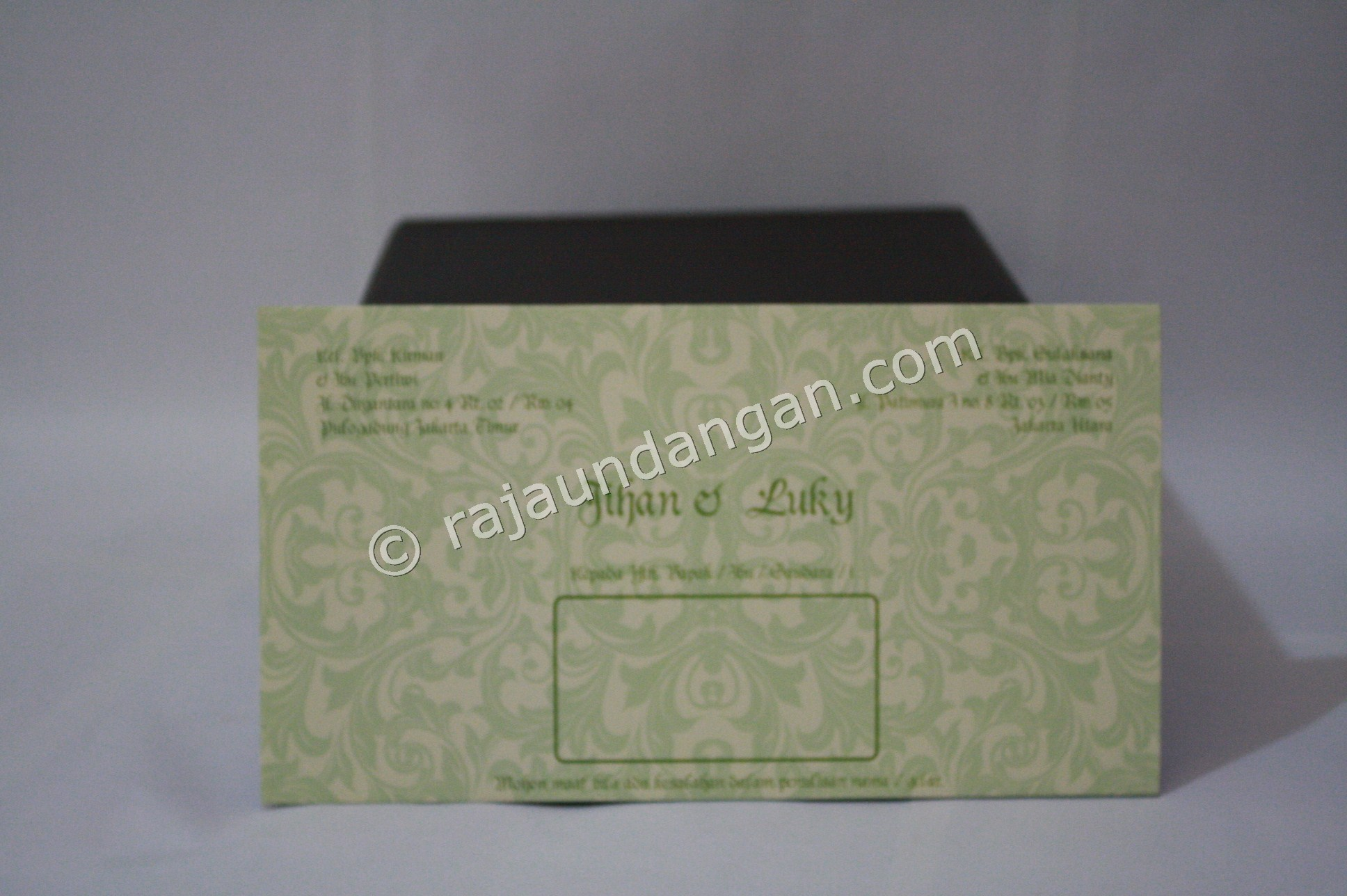 Undangan Pernikahan Softcover Jihan dan Luky 2 - Pesan Wedding Invitations Simple di Ploso