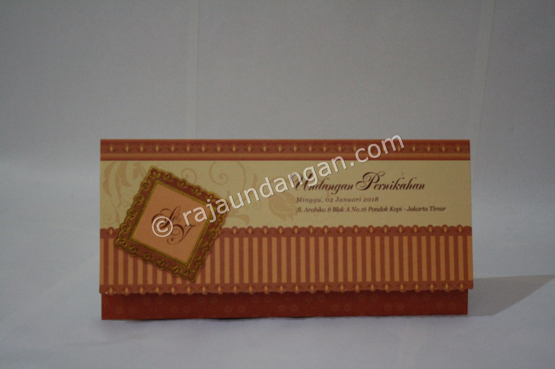 Undangan Pernikahan Softcover Shanti dan Haryanto - Membuat Wedding Invitations Simple di Dr. Sutomo