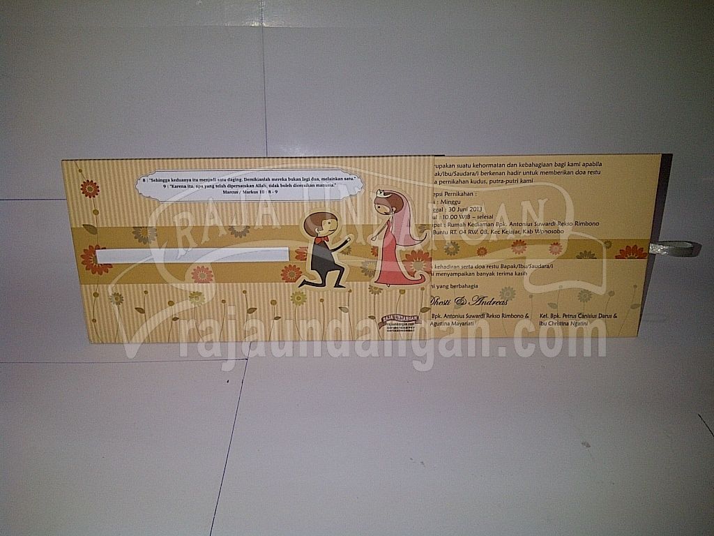 Undangan Pernikahan Hardcover Dhesti dan Andreas2 - Tips Mencetak Wedding Invitations Simple