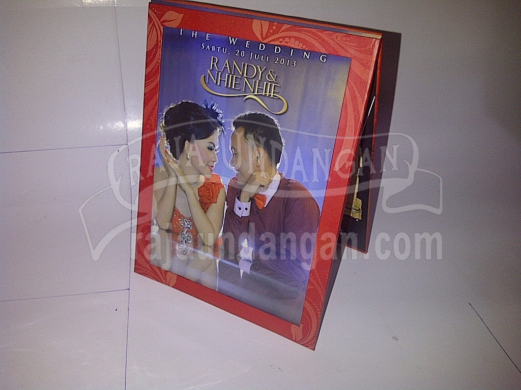 Undangan Pernikahan Hardcover Pop Up Multifungsi Randy dan Nhienhie - Percetakan Wedding Invitations Murah di Kapasan