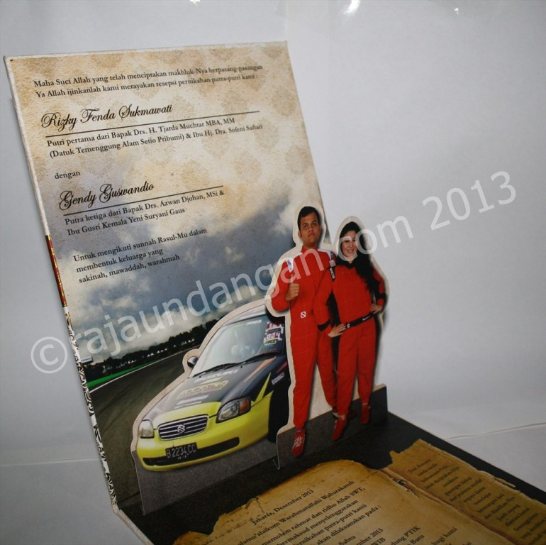 Undangan Pernikahan Pop Up Hardcover Kiky dan Gendy 2 - Pesan Wedding Invitations Eksklusif di Karang Poh