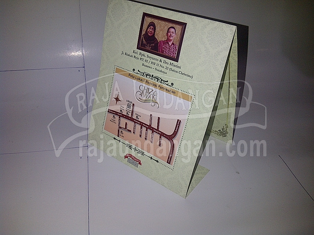 Undangan Pernikahan Softcover Chiz dan Iwan Seri B 3 - Percetakan Wedding Invitations Simple dan Elegan di Sawunggaling