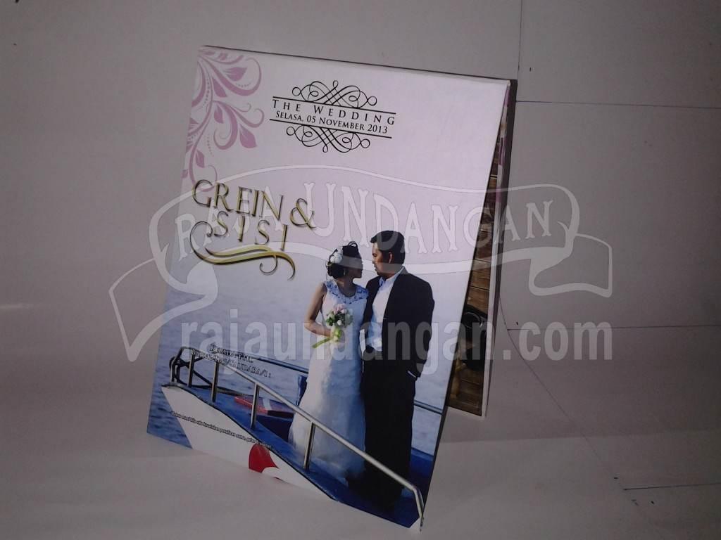 Undangan Pernikahan Hardcover Pop Up Grein dan Sisi