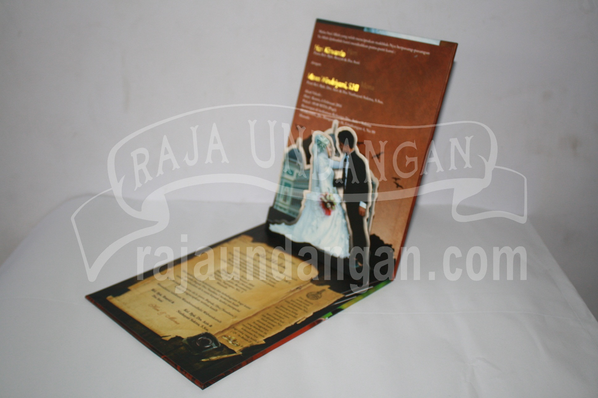 Undangan Pernikahan Hardcover Pop Up Heri dan Mona EDC 43 3 - Membuat Wedding Invitations Unik dan Simple di Sawahan