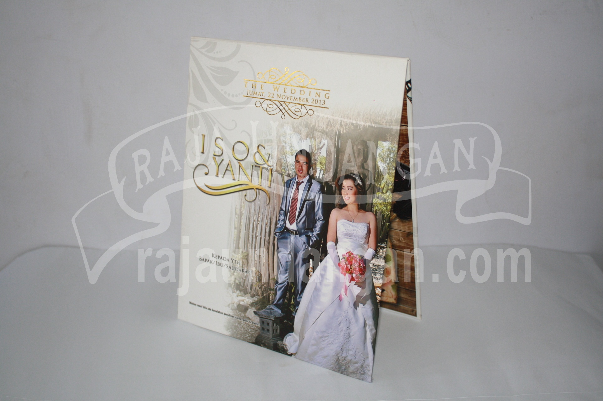 Undangan Pernikahan Hardcover Pop Up Iso dan Yanti EDC 451 - Pesan Wedding Invitations Murah di Warugunung