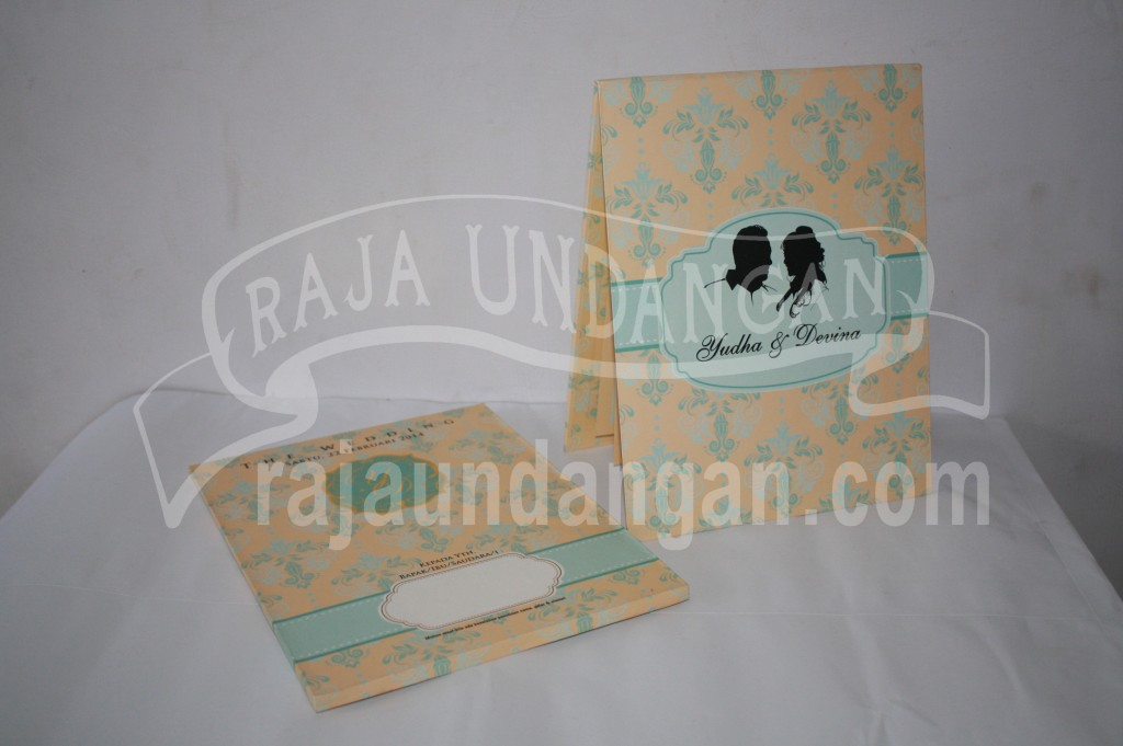 Undangan Pernikahan Hardcover Pop Up Pakai Amplop Yudha dan Devina (EDC 47)