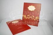 Undangan Pernikahan Hardcover Pop Up Pakai Amplop Yudi dan Vita (EDC 44)