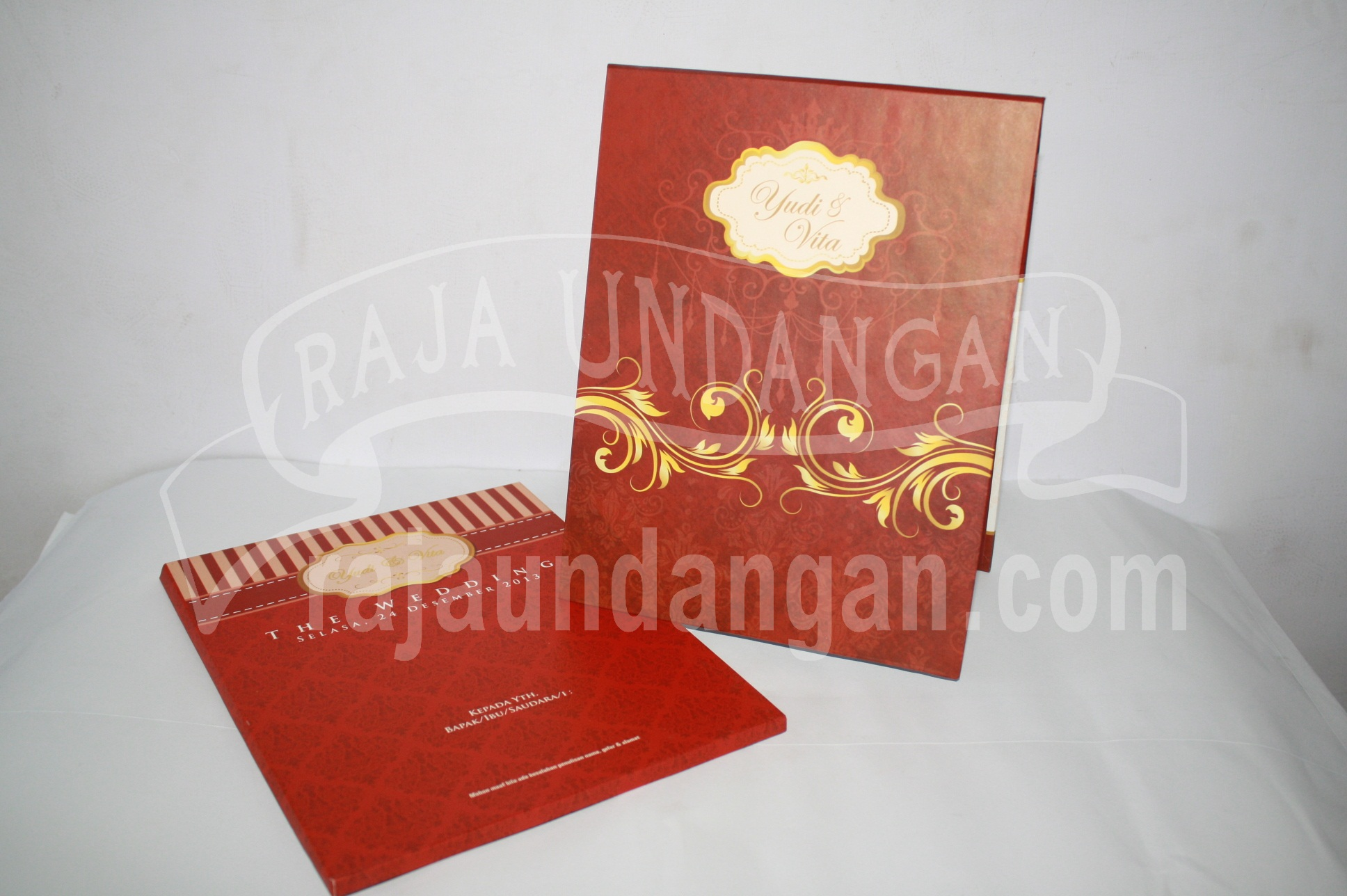 Undangan Pernikahan Hardcover Pop Up Pakai Amplop Yudi dan Vita EDC 441 - Percetakan Wedding Invitations Simple dan Elegan di Putat Jaya