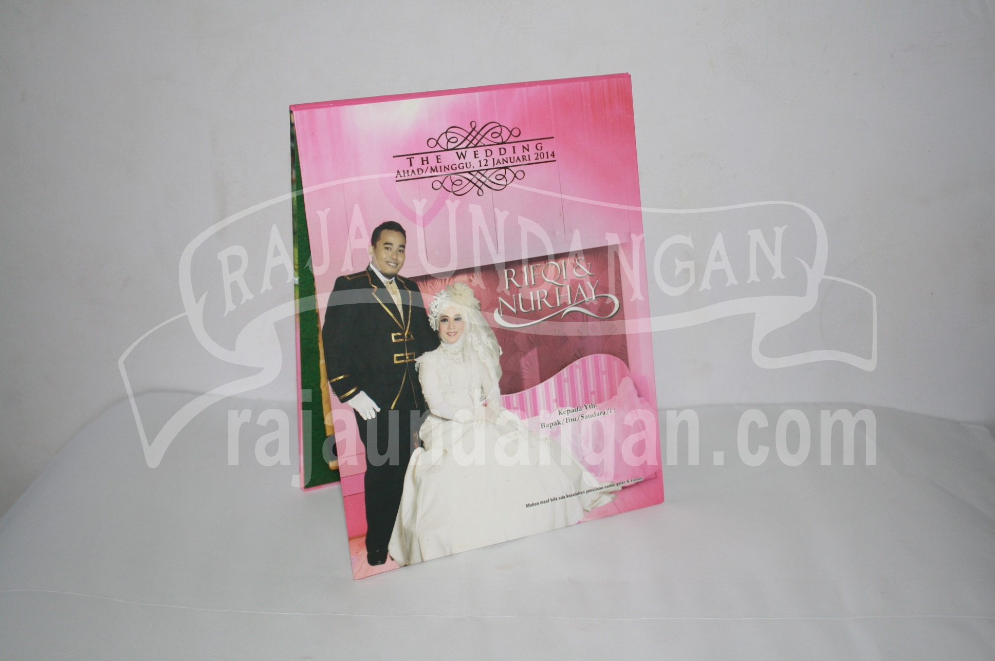 Undangan Pernikahan Hardcover Pop Up Rifqi dan Nurhay EDC 40 - Percetakan Wedding Invitations Unik dan Eksklusif di Tandes