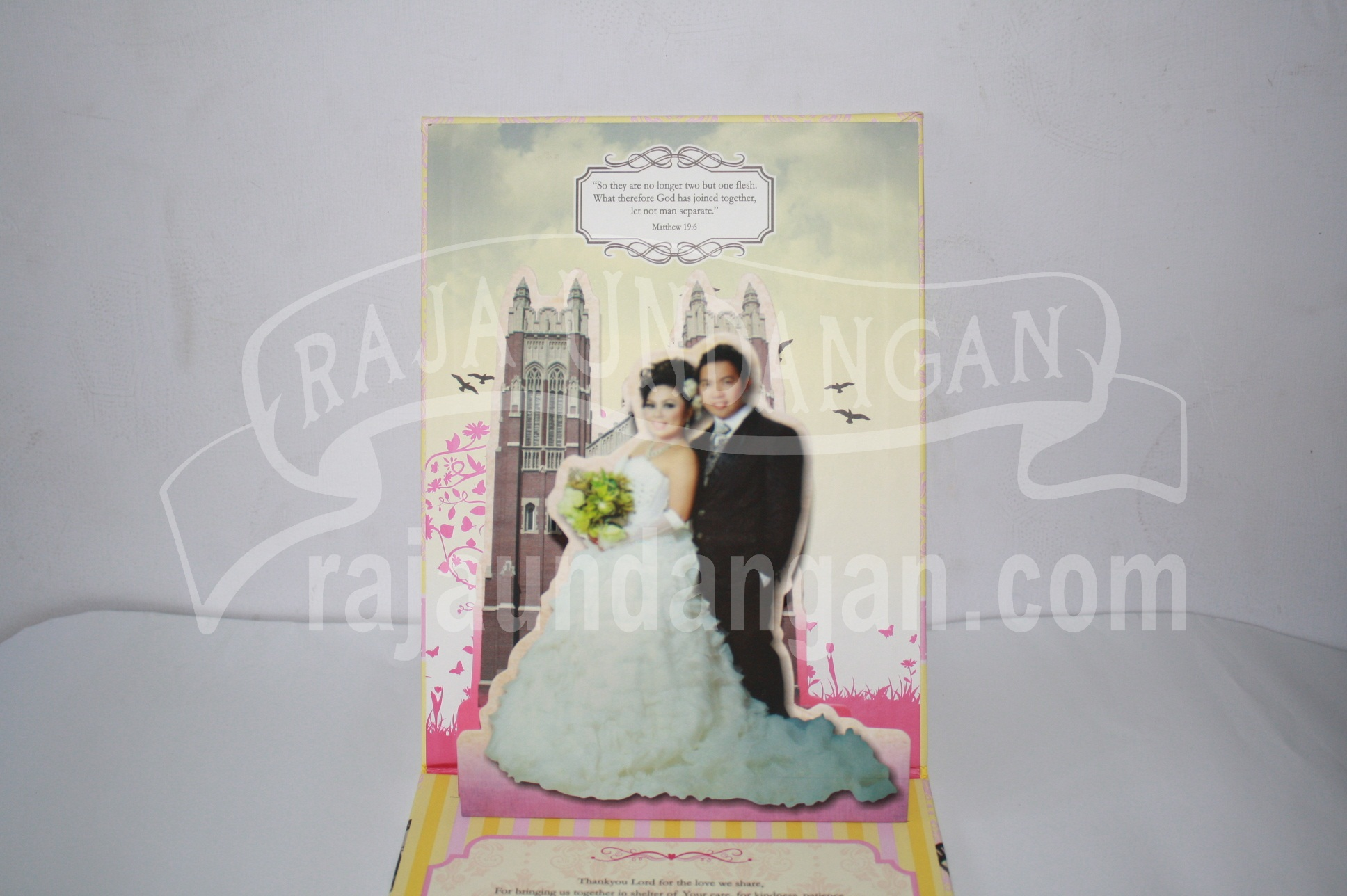 Undangan Pernikahan Hardcover Pop Up Warens dan Jean EDC 50 2 - Membuat Wedding Invitations Unik dan Murah di Kedungdoro