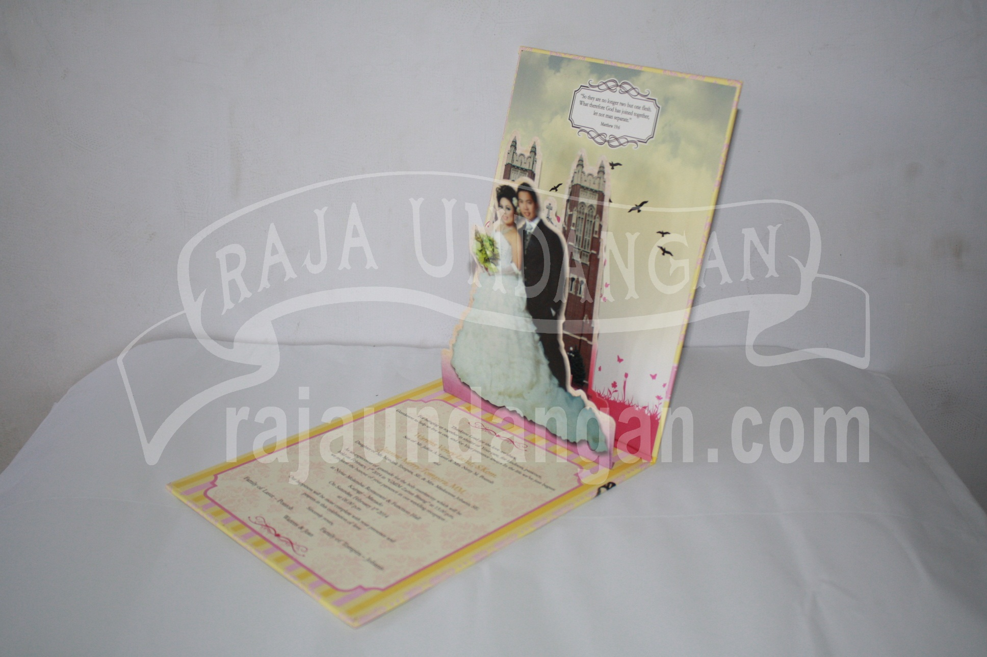 Undangan Pernikahan Hardcover Pop Up Warens dan Jean EDC 50 3 - Percetakan Wedding Invitations Eksklusif dan Elegan di Gunung Anyar
