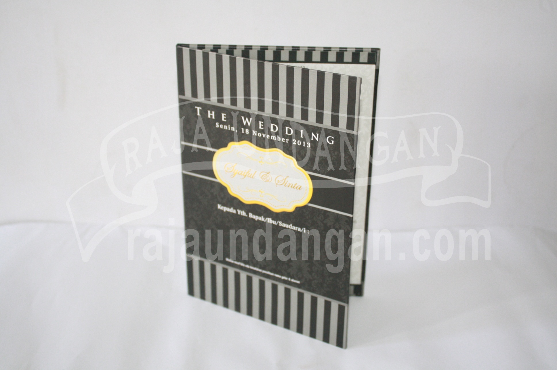 Undangan Pernikahan Mini Hardcover Syaiful dan Sinta EDC 35 - Percetakan Wedding Invitations Unik dan Simple di Simomulyo