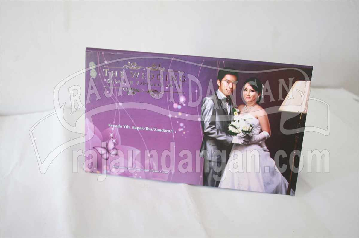 Hardcover Jennifer Victor 3 - Pesan Wedding Invitations Unik dan Eksklusif di Surabaya