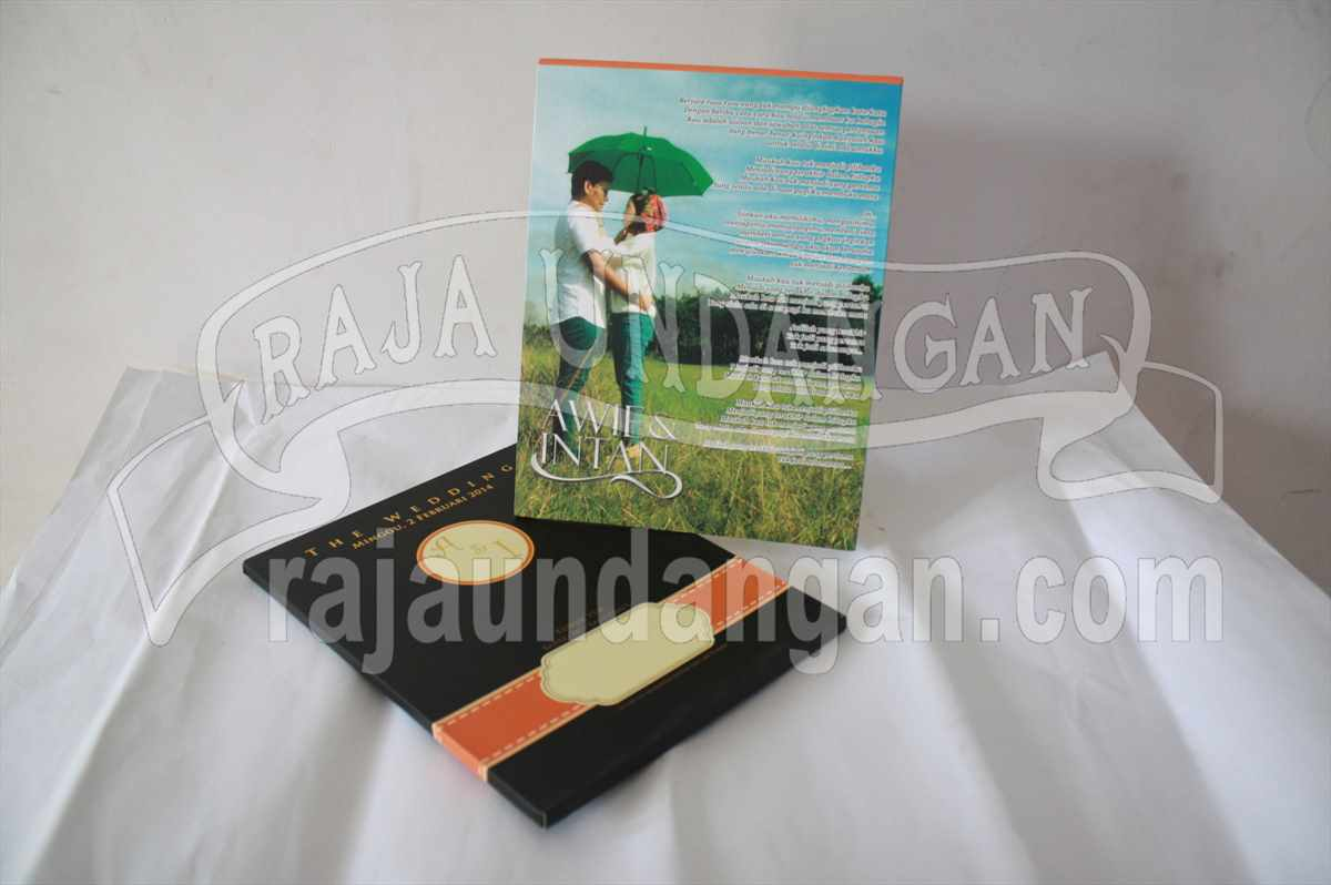 Hardcover Pop Up Awie Intan 1 - Membuat Undangan Perkawinan Simple di Menur Pumpungan