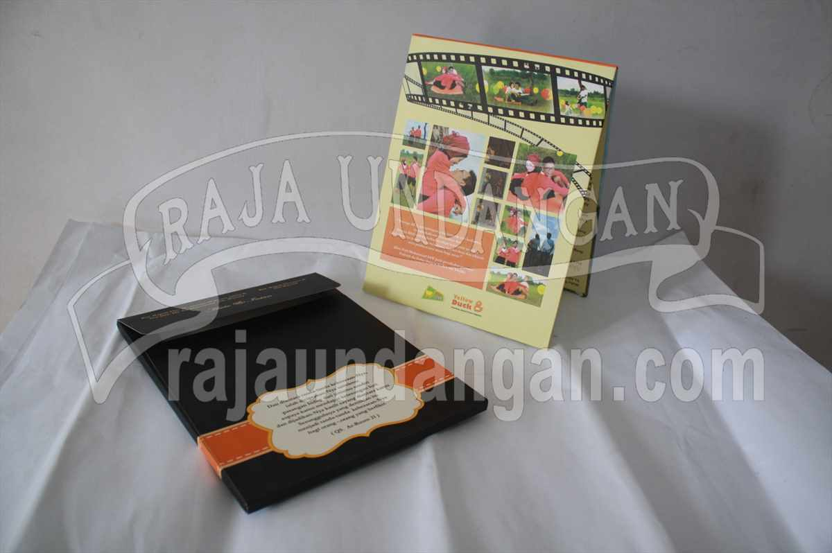 Hardcover Pop Up Awie Intan 2 - Membuat Undangan Perkawinan Unik dan Simple di Sukomanunggal