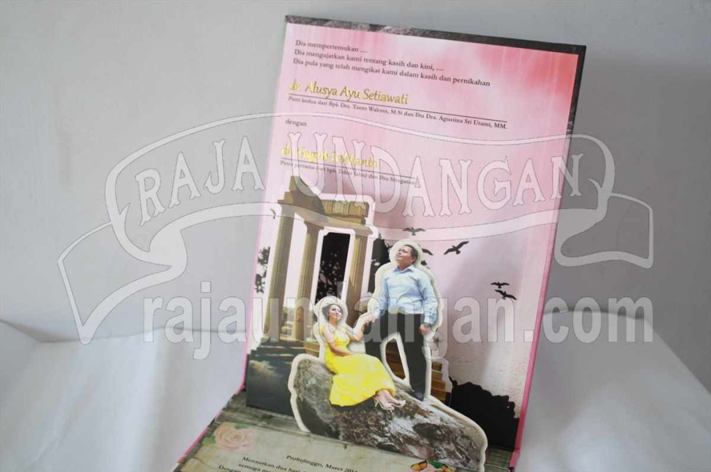 Undangan Pernikahan Hardcover Pop Up 3D Ayu dan Gaguk (EDC 61)
