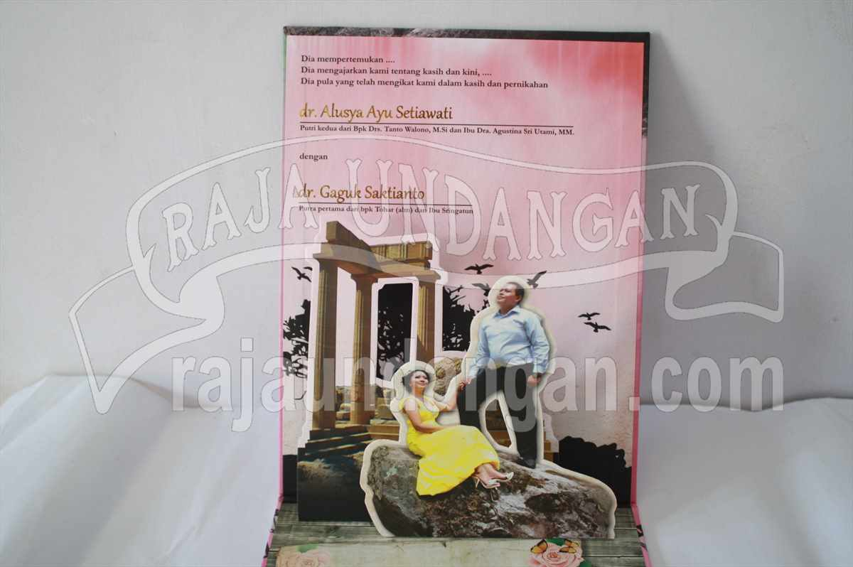 Hardcover Pop Up Ayu Gaguk 5 - Pesan Wedding Invitations Elegan di Tembok Dukuh