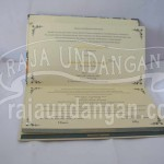 Pesan Wedding Invitations Simple di Kali Rungkut