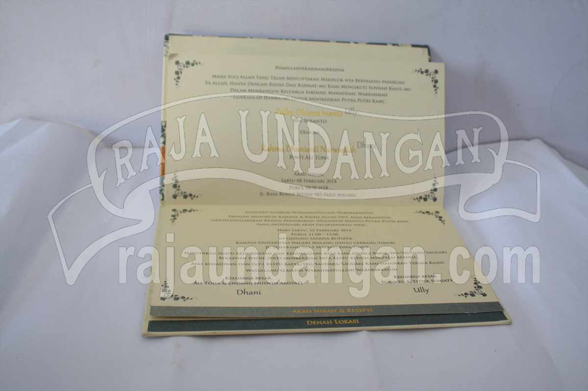 Hardcover Ully Dhani 4 - Pesan Wedding Invitations Eksklusif di Karang Poh