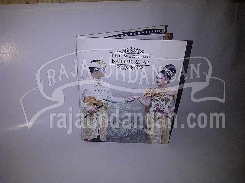 Membuat Wedding Invitations Unik dan Eksklusif di Gading