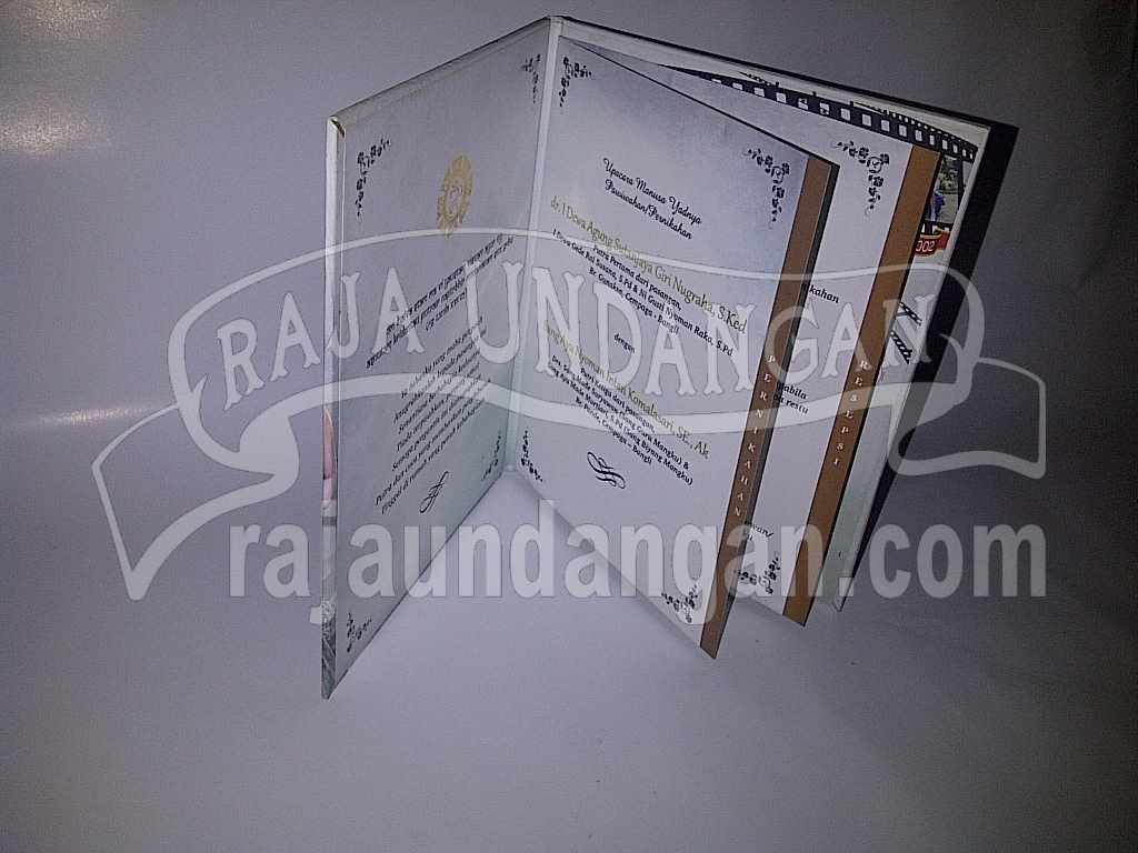 IMG 20140512 00173 - Membuat Wedding Invitations Simple dan Elegan di Tambak Sarioso