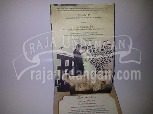 Undangan Pernikahan Hardcover Pop Up 3D Erlisah dan Catur (EDC 79)