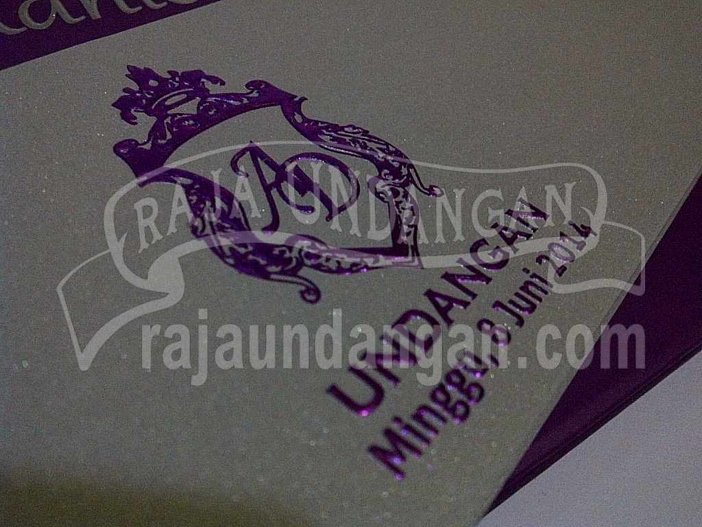 Undangan Hardcover Eksklusive Adhis Dhila 7 - Percetakan Wedding Invitations Elegan di Pakal