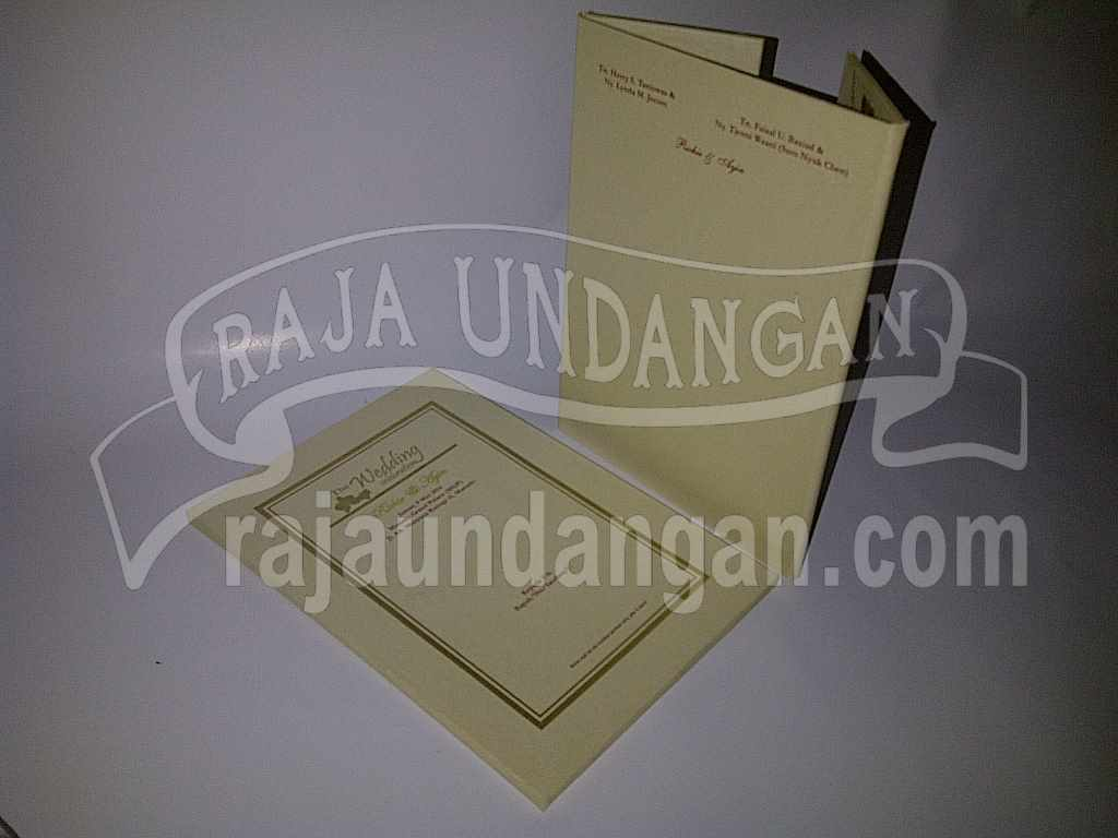 Undangan Hardcover Eksklusive Richie Ayin 5 - Pesan Wedding Invitations Simple di Ploso