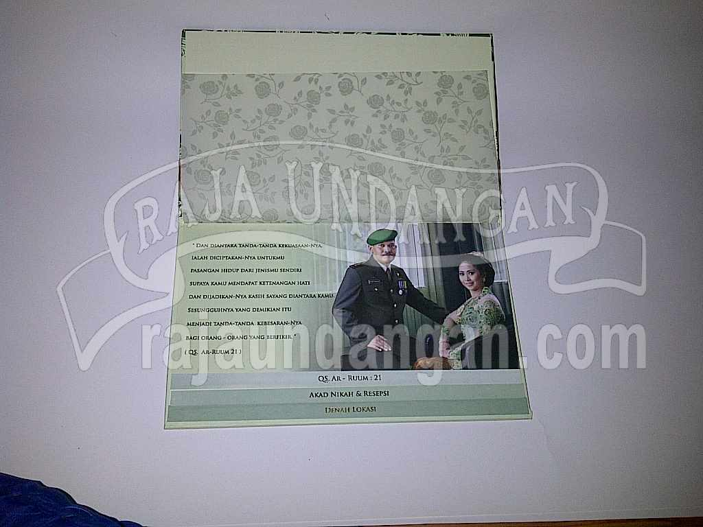 Undangan Hardcover Hijau Anna Djoko 2 - Pesan Wedding Invitations Simple di Ploso