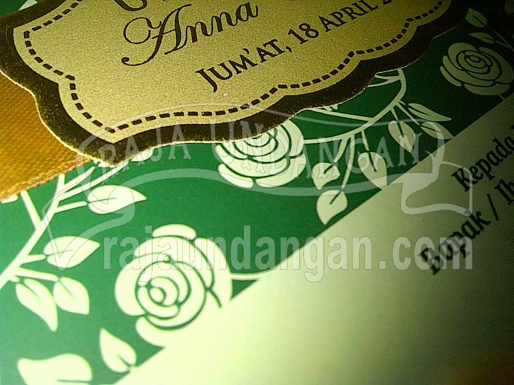 Undangan Hardcover Hijau Anna Djoko 5 - Percetakan Wedding Invitations Elegan di Pakal