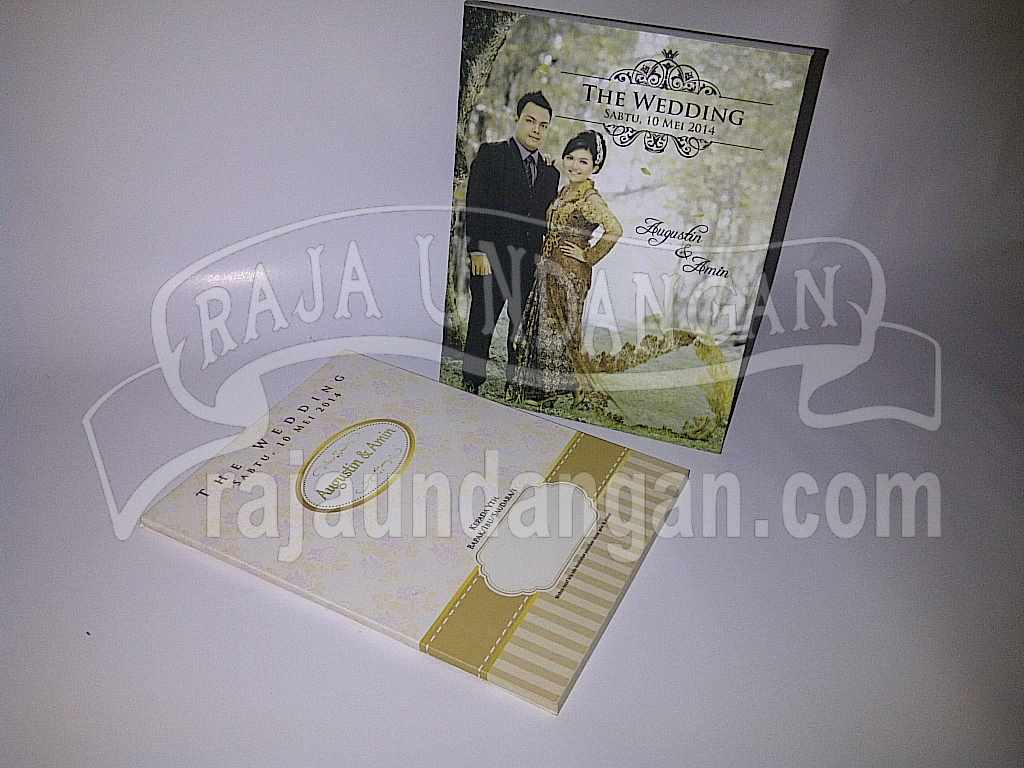Undangan Hardcover Pop Up Eksklusive Titin Amin 1 - Membuat Wedding Invitations Simple dan Elegan di Tambak Sarioso