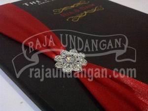 Undangan Pernikahan Hardcover Ria dan Baim (EDC 63)