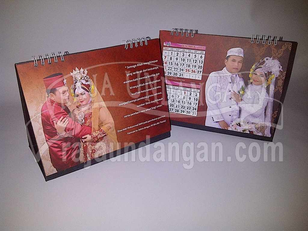 Undangan Kalender Meja Hardcover 3 - Membuat Wedding Invitations Eksklusif di Jeruk