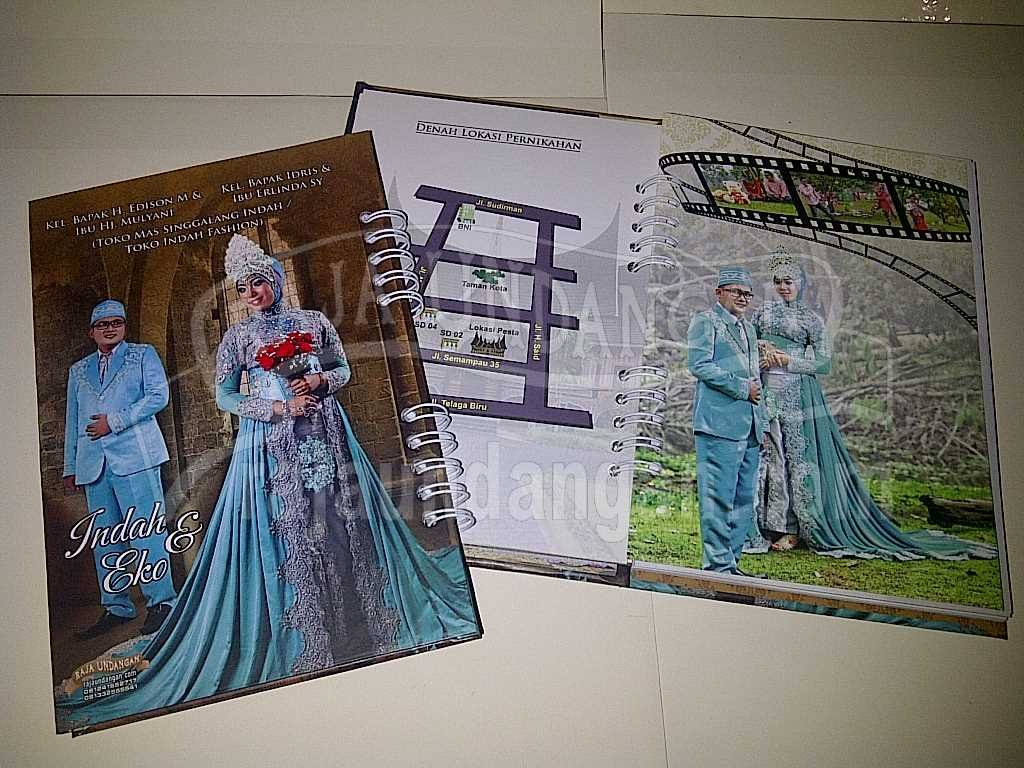 Membuat Wedding Invitations Unik dan Eksklusif di Klampisngasem