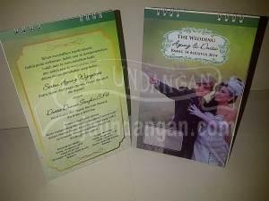 Undangan Pernikahan Kalender Meja Agung dan Dwita (EDC 95)