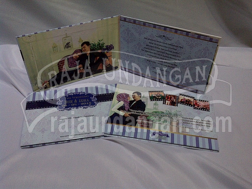 Cetak Wedding Invitations Simple dan Elegan di Kapasari