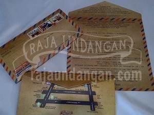 Undangan Softcover Model Amplop Pos Wahyu dan Fauzi (EDC 103) Tampak Keseluruhan